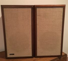 Beautiful Pair of Large Old School Advent Loudspeakers