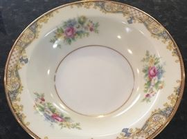 China & dinnerware