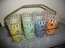 VINTAGE GLASS SET IN CARRIER