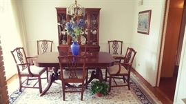 """Lovely DR table 64""""L x 42""""W....3- 12"""" leaves. Large Kashan rug approx 8' x 10'.  Clean in wonderful condition."""