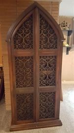 Awesome cabinet w/shelves (I have the backing for the middle right side panel)
