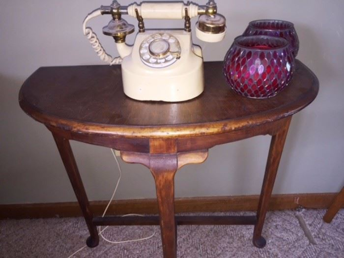 Cute antique table, vintage style phone