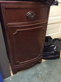 Sheridan style cabinet -- there are 2