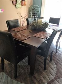 Pier One modern dining set w/ 6 leather chairs