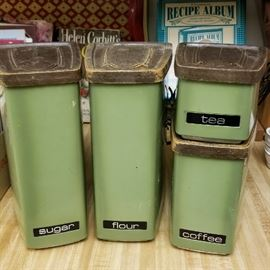 Awesome Vintage Canister Set