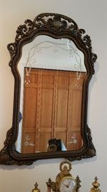 Amazing mirror that goes with a gorgeous hall table