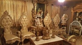 For gorgeous tall back chairs with svorski Crystal and cream-colored leather seats and back period very heavy quality and in good condition