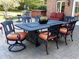 Gorgeous patio furniture!