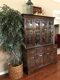 China Cabinet with Bubble Glass