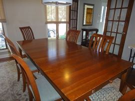 Ethan Allen Cherry dining room table w/ 6 chairs and 1 leaf