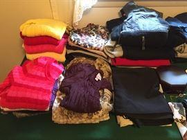 Ladies/juniors Clothes
