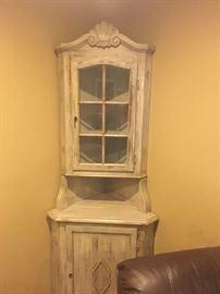 Narrow corner cabinet
