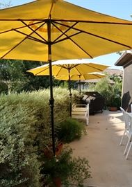 Great Patio Sunshade Umbrellas with Weighted Bases