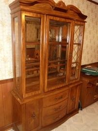 Lighted wood hutch w/glass shelves