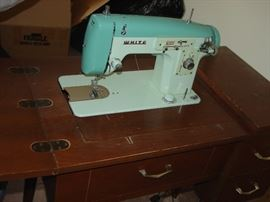 Vintage White Zig Zag Sewing machine