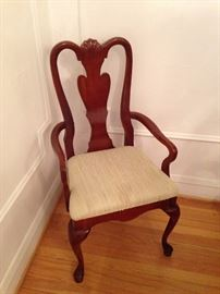 set of Queen Anne mahogany dining chairs