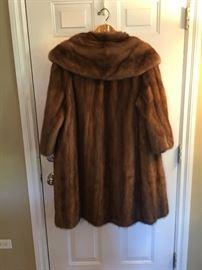 """Vintage """"Swing"""" mink coat. 3/4 sleeve"""