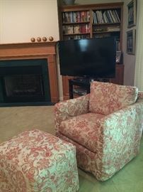 One of a PAIR of brand new chairs (there is 1 stool).