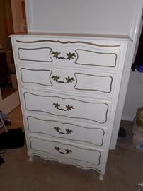 Bassett chest of drawers