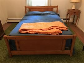 Full bed with mattress set $100