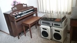 Conn Electric Organ  & Vintage white stereo with radio