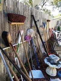 Outdoor yard tools