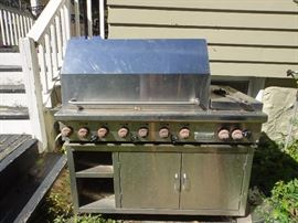 Wolf Stainless steel grill