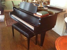 Kimball Baby Grand Piano - $ 1,700.00  (+ $ 500.00 +/- delivered)  Ebony laquer finish.