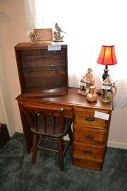 Small children's solid oak desk & chair.