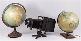 Lot 14: Vintage Eye Projector & 2 Vintage Globes