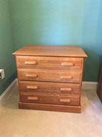 Oak 2 drawer filing cabinet