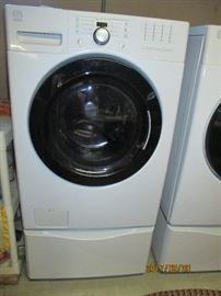 Maytag Front Loading Washer on Pedalstal,  MUST HAVE HELP TO MOVE