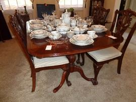 Lexington cherry dining table w/2 leaves & 6 chairs