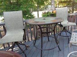 more patio w/4 chairs