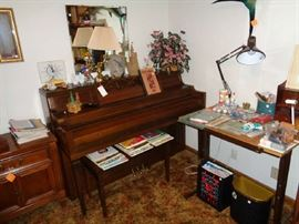 piano & bench