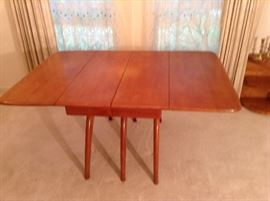 Heywood Wakefield Butterfly Drop leaf Table without Leaves