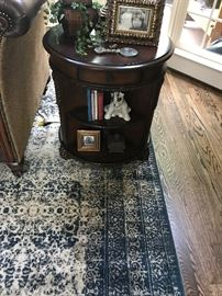 Round End Table with 3 Drawers