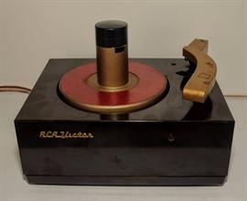 50's RCA BAKELITE 45 rpm RECORD PLAYER