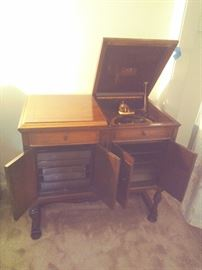 Victrola with built-in speakers and wooden needles.