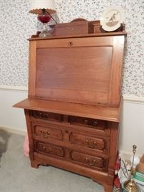 19TH CENTURY PLANTATION DESK