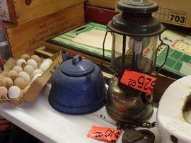 Lamps, kettles, decor eggs