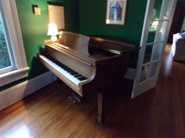 Steinway Baby Grand piano (S model)