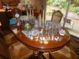 DINGROOM TABLE W/CHAIRS. CRYSTAL & CHATZKYS TOO