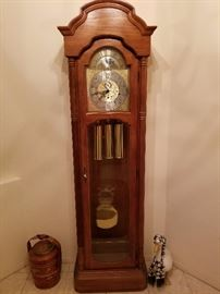 Grandfather Clock. Beautiful Works like new.
