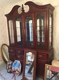 Pennsylvania House Hutch/Buffet Server. Goes with matching table.  Cherry wood.  Excellent condition.