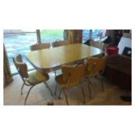 Retro Diner Table & Chairs