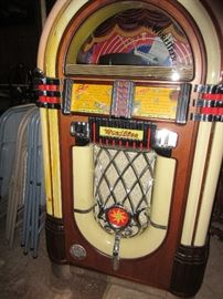 "The Wurlitzer ""One More Time"" Juke box  plays 100 CDs"
