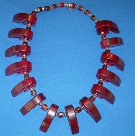 Very nice translucent cherry bakelite/catalin necklace