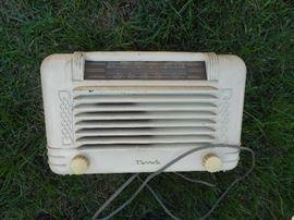 Vintage Motorola  AM/FM Radio, tube radio