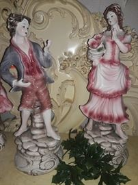 Capodimonte boy and girl